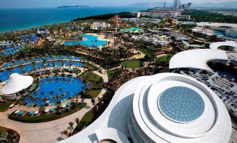p76-目前,海南旅游业已有向海、岛、山、农、文等各种资源进行高度整合的趋势。视觉中国