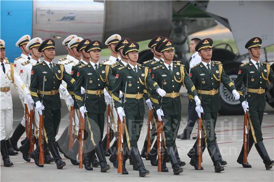 接机乌兹别克斯坦总统3