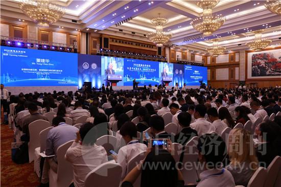 """由深圳市前海管理局、全国港澳研究会主办的2018前海合作论坛今日开幕,论坛以""""改革开放再出发,推动高质量发展""""为主题。"""