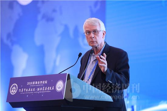 诺贝尔奖获得者科学联盟主席、1993年诺贝尔生理学或医学奖获得者理查德•约翰•罗伯茨(Richard J Roberts)