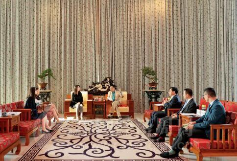 p37-2018年4月,海航集团创始人、董事长王健在海航总部接受《中国经济周刊》专访。《中国经济周刊》首席摄影记者  肖翊 摄