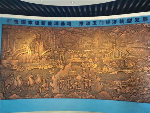 玉门,昔日中国石油工业的摇篮正在向新能源基地转型。摄影 李开南