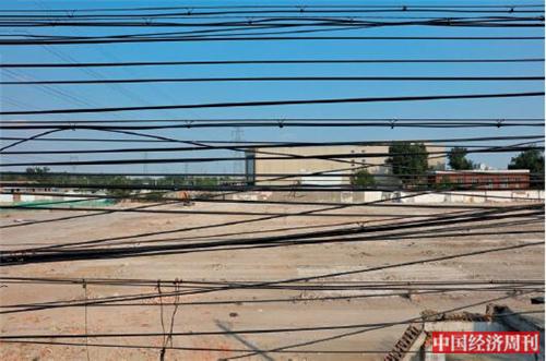 p70-3 南中轴沿线拆迁后形成的空地 《中国经济周刊》首席摄影记者 肖翊 摄
