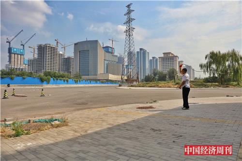 p68 远眺丽泽金融商务区南区 《中国经济周刊》首席摄影记者 肖翊I 摄_副本