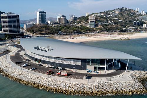 54 在巴布亚新几内亚莫尔兹比港航拍的巴新国际会议中心。