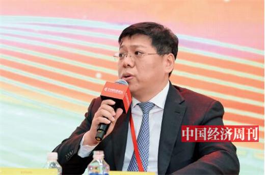 """p101 张其广在第十七届中国经济论坛上参加""""做好金融服务实体经济这篇大文章""""高端对话"""