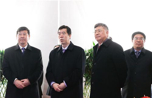 2天津绿地全球商品贸易港开工仪式现场,领导参观项目沙盘