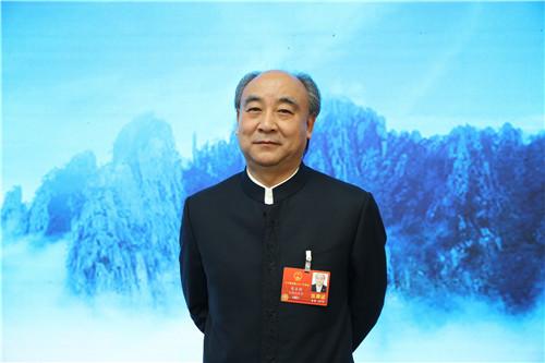 全国人大代表、古井集团董事长梁金辉。