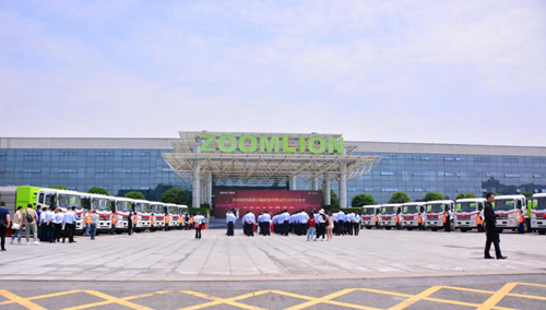 5月22日,长沙市首批环卫新能源纯电动车交付仪式