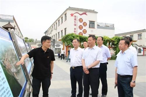 1____河南省农业农村厅厅长申延平到孟津县卫坡村调研工作