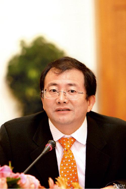 p76  云南城投董事長許雷已主動投案。