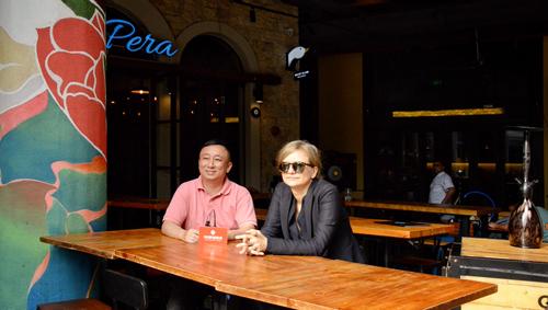 上海大同延绿置业有限澳客彩票平台APP公司运营总监(左)及首席运营顾问Zane Goutard(右)