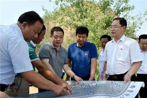 1 孟津县委书记杨劭春到白鹤镇调研工作