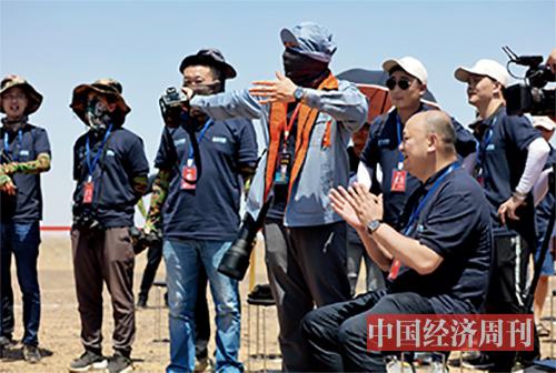 p25双曲线一号运载火箭成功首飞后,星际荣耀团队在发射现场庆祝。 《澳客彩票平台APP》首席摄影记者  肖翊  摄-2