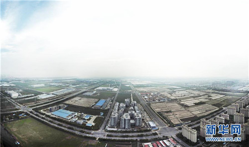 俯瞰上海临港(6月27日无人机拍摄)。新华社记者 方喆 摄
