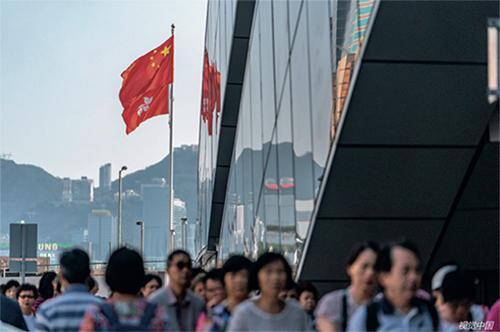 p21 2018年9月30日,香港,国庆节期间,广深港高速铁路迎客流高峰。