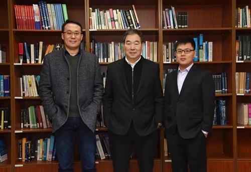 團隊主要成員:蒲慕明(中)、孫強(左)、劉真(右)