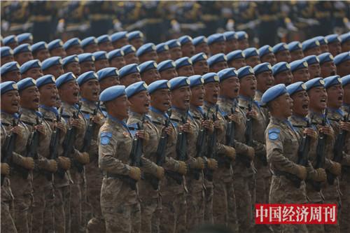 8维和部队方队首次亮相。
