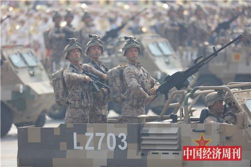 12这是特战装备方队。