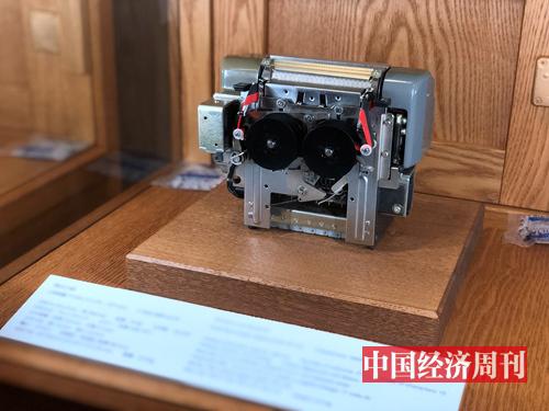 愛普生早期石英技術打印機(孫冰攝)