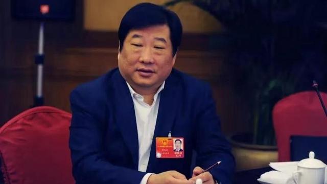中國重汽董事長譚旭光下令:所有領導辦公室沙發全部取締