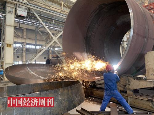 考察蘭石集團高端裝備產業園,這里很多設備、服務出口到中東石油國家。