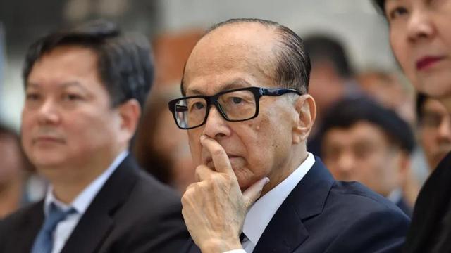 """计划再发6亿""""应急钱"""",李嘉诚能让香港零售业""""回血""""吗?"""