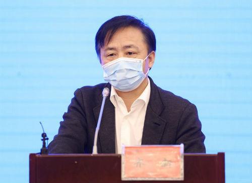 安徽省林業局副局長齊新發布新聞。 吳曉光  攝