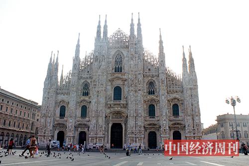 p28-1受疫情影响,米兰大教堂暂时关闭,也是这座教堂百年来的第四次因故关闭。资料图 张燕 | 摄