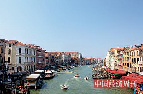 p28-2 过去几年,威尼斯平均每天接待游客量高达6万人次。资料图 张燕 | 摄