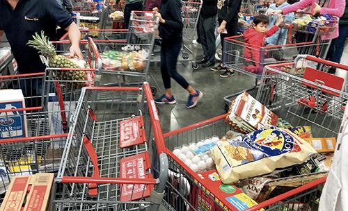 p26 Costco超市目前商品供应还比较充足 邢环宇 I 摄