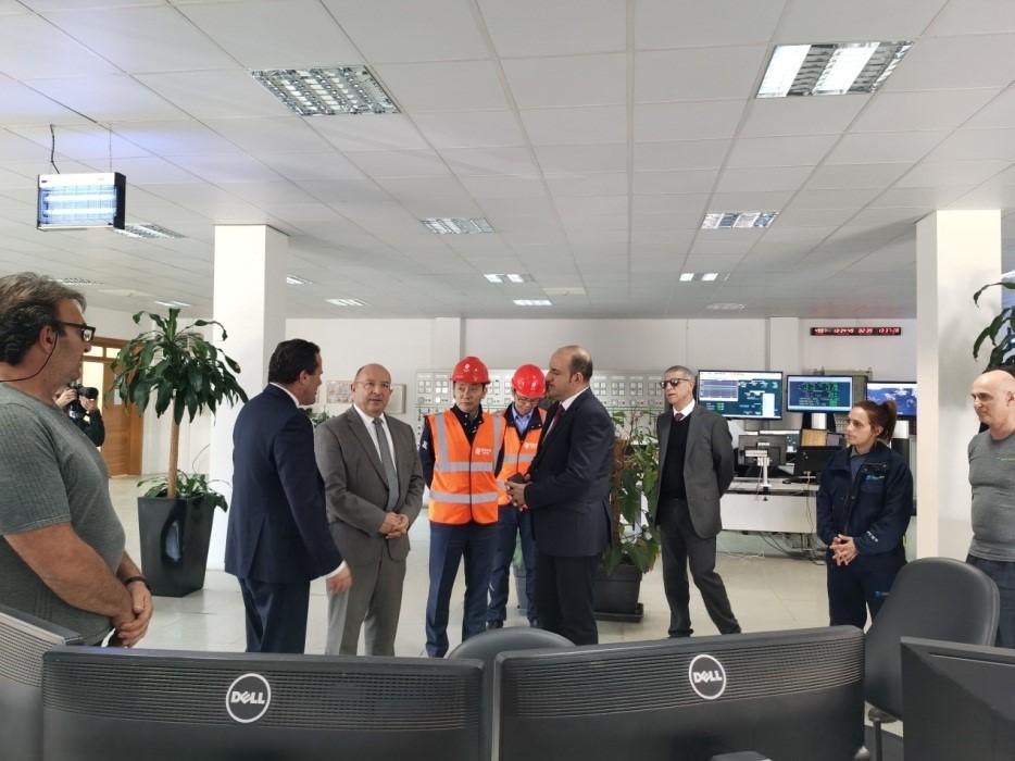 马耳他能源公司总经理陪同马耳他能源部长视察电厂