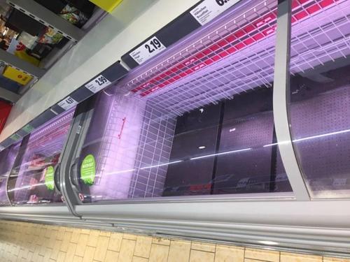 线上平台德国IndustryStock经理黄虹梓说,她想屯点食物,但每次去超市都缺货。(受访者供图)