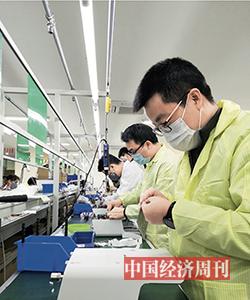 36 呼吸機廠商正在緊鑼密鼓地生產 《中國經濟周刊》記者 郭志強 | 攝