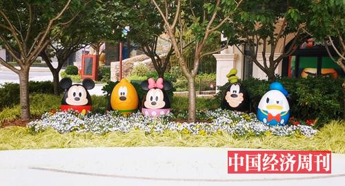 迪士尼乐园内的可爱经典形象雕像 摄影:中国经济周刊记者 王雨菲