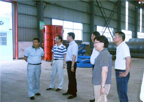 1、马祥(左一)带队调研客户需求