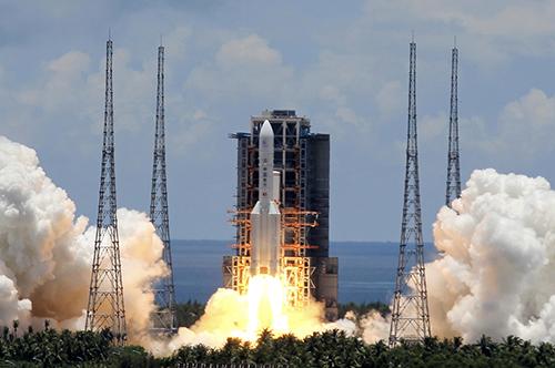 30 2020年7月23日12时41分,中国在文昌航天发射场用长征五号遥四运载火箭成功发射首次火星探