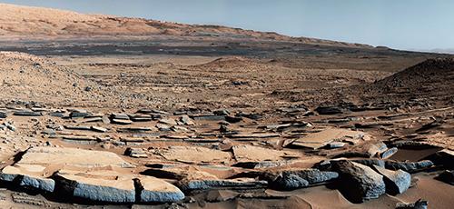 """32 NASA发布火星表面""""金伯利""""地区景观。该地区的地质特征表明曾遭受流水侵蚀。"""