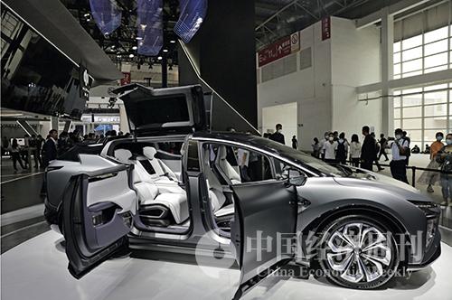 41-1 高合HiPhi X,它就是让你一眼惊艳的车。高合HiPhi X 打破常规,从用户实际场景需