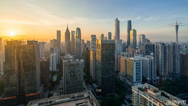楼市调控:一线城市忙降温,三四线城市给补贴