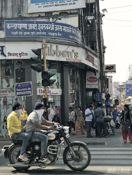 101 疫情之前的印度普那市街頭