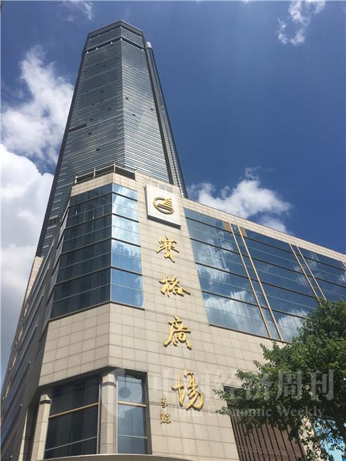 5月22日,身處輿論漩渦中的賽格大廈未被發現有晃動的跡象 攝影:鄧雅蔓