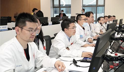25 上海航天技術研究院火星團隊成員在北京飛行控制中心執行任務