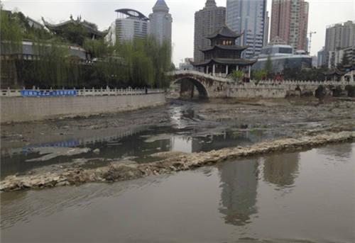 治理前的南明河(甲秀樓段)